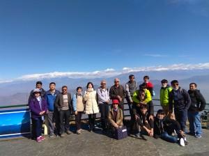 背景遠處為喜馬拉雅山最高峰聖母峰